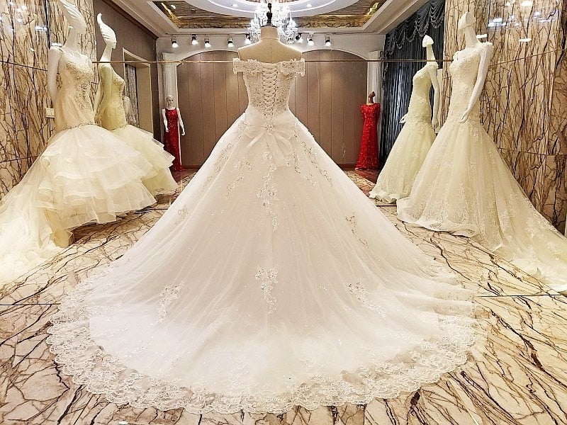 DM #w019 Elegant Lace Wedding Dress Crystal Wedding Gowns