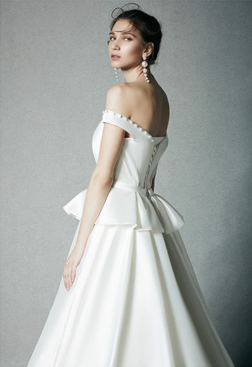 DM #w038 Dream Off the Shoulder Wedding Dress