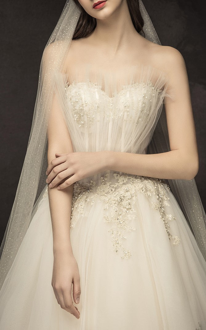 DM #w024 Original Shell Wedding Dress with Luxurious Tail