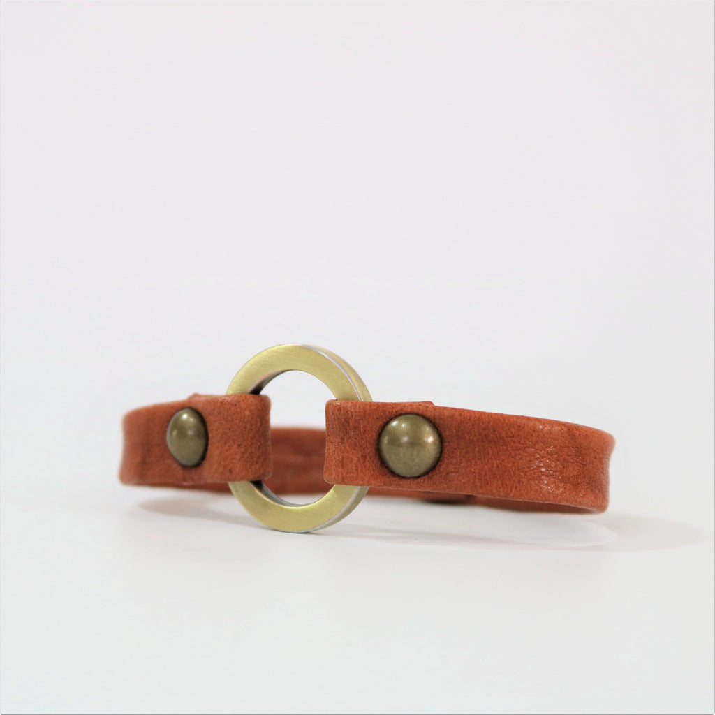 Giving Bracelets Men's Rust Leather Bracelet - The Meridian with Brass Circle Design