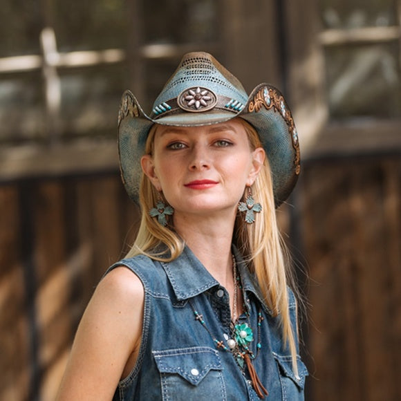 Woman wearing Stampede Sassy Blue Bangora Western Hat