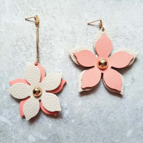 Floral Drop Asymmetrical Earrings (SALMON PINK/STONE)