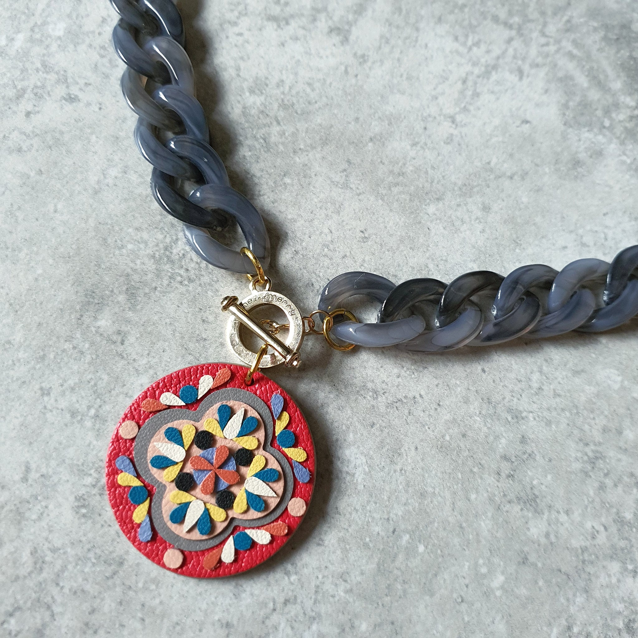 Medallion Peranakan Tile Necklace (CERISE)