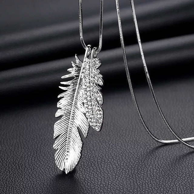 Long necklaces and pendants