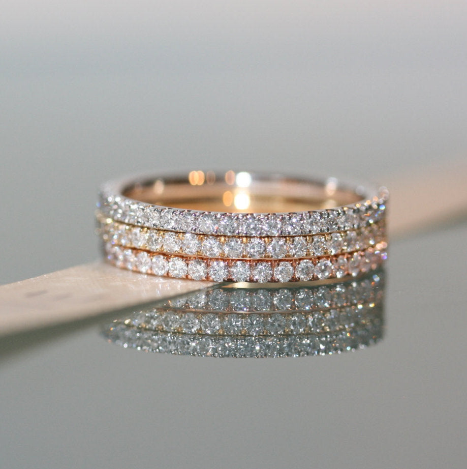 Magnificent  delicate ring bands