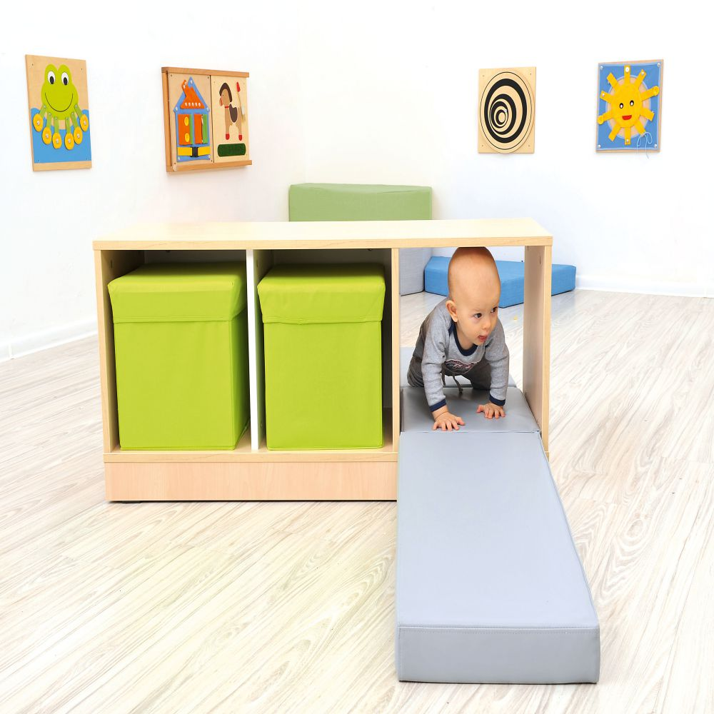 Quadro - play corner with mirror
