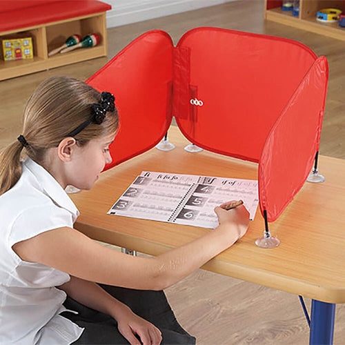 Pop-Up Concentration Desk Barrier Red