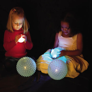 Glowing and Flashing Balls 4pk