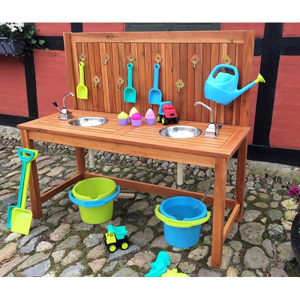 Ease Outdoor Kitchen with 2 Sinks and 2 Pumps