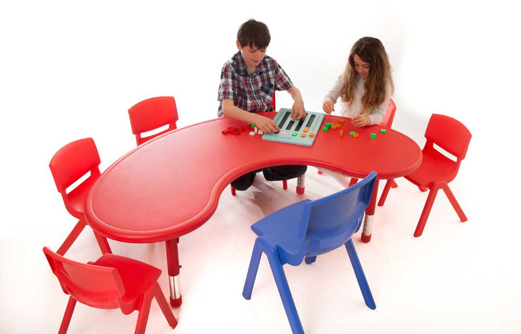Polyethylene Horseshoe Table & 35cm Chairs