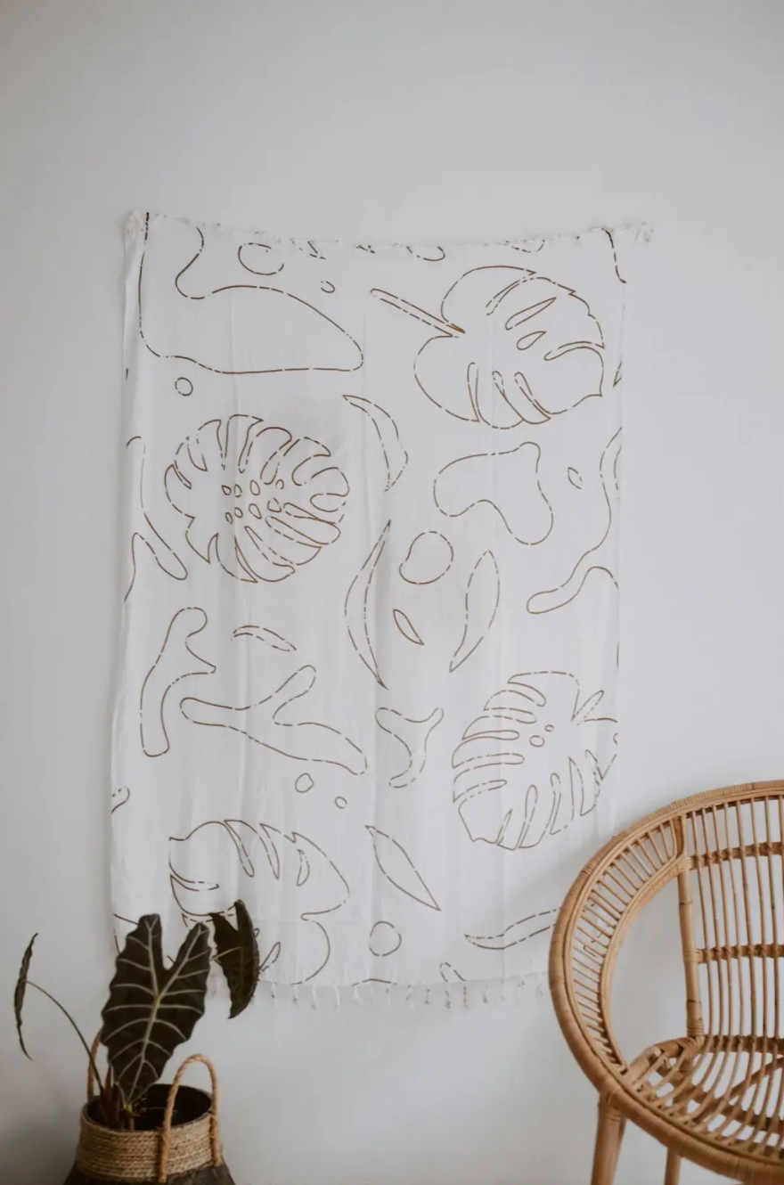 Monstera Tapestry White Clay