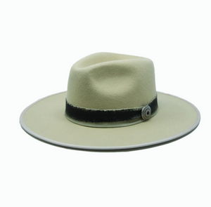 Harrison Felt w/ Medallion Hat Tan