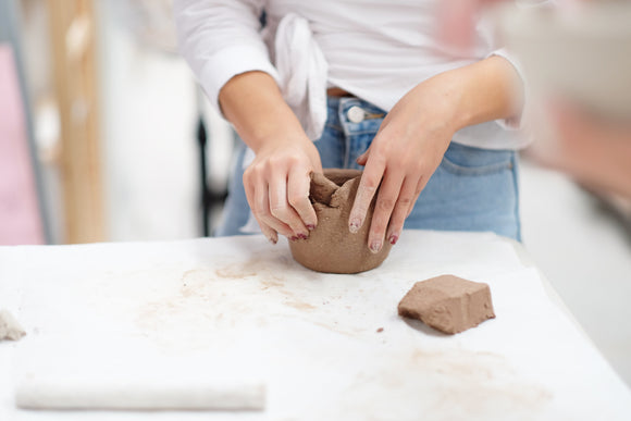Clay Club: Saturday 29 June. Handbuild your own planter workshop. 12pm - 2pm