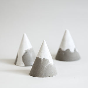 cementify concrete mountain ring holder