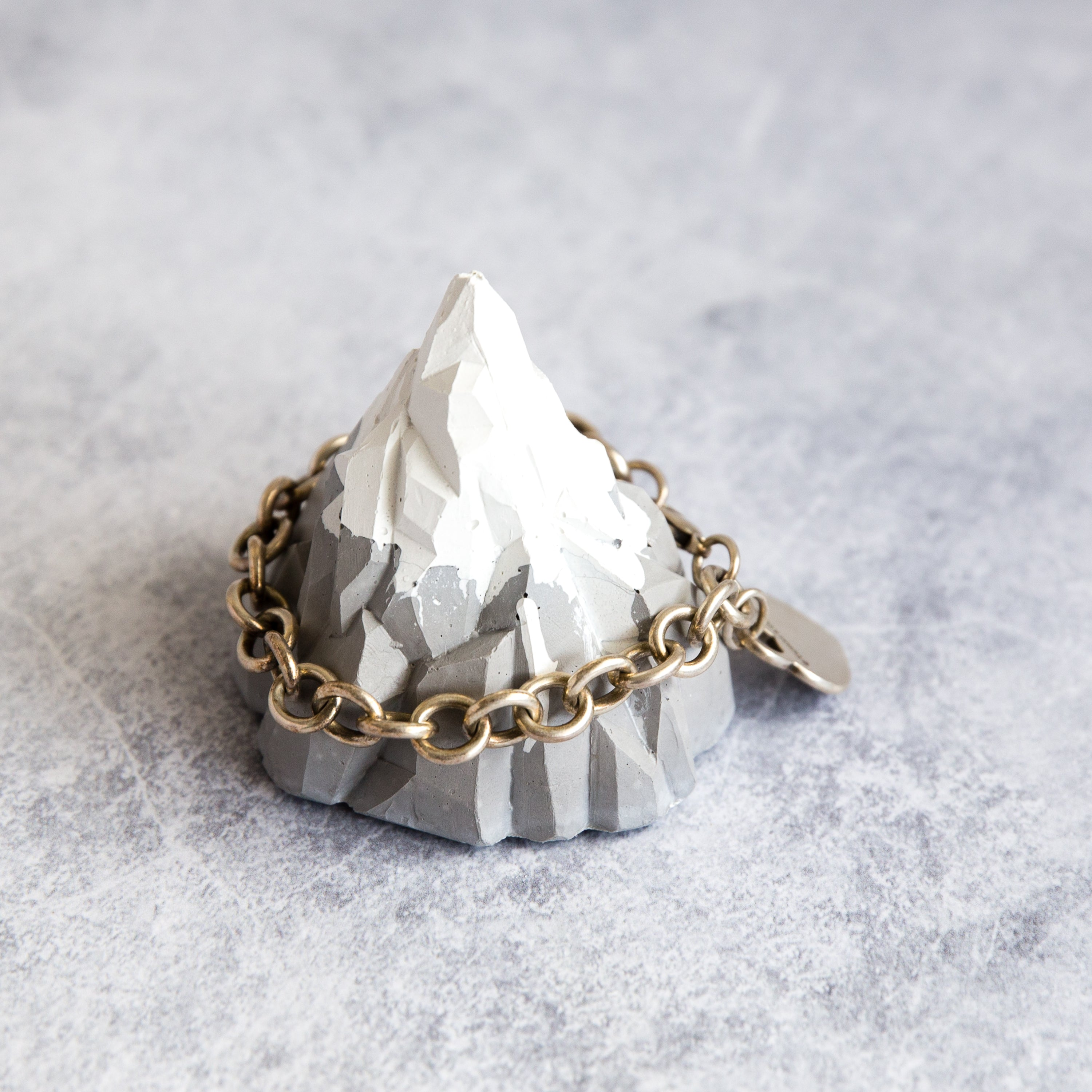 I Love You to the Mountain and Back Concrete Jewellery Holder