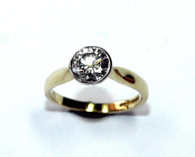 PureBrilliant Diamonds 18ct Yellow Gold Solitaire Diamond Ring