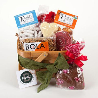 VALENTINE'S DAY LOVERS GIFT BASKET - SMALL