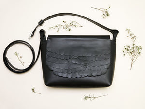 While shoulder bag Black
