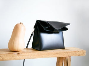 Paper Shoulder Bag Black