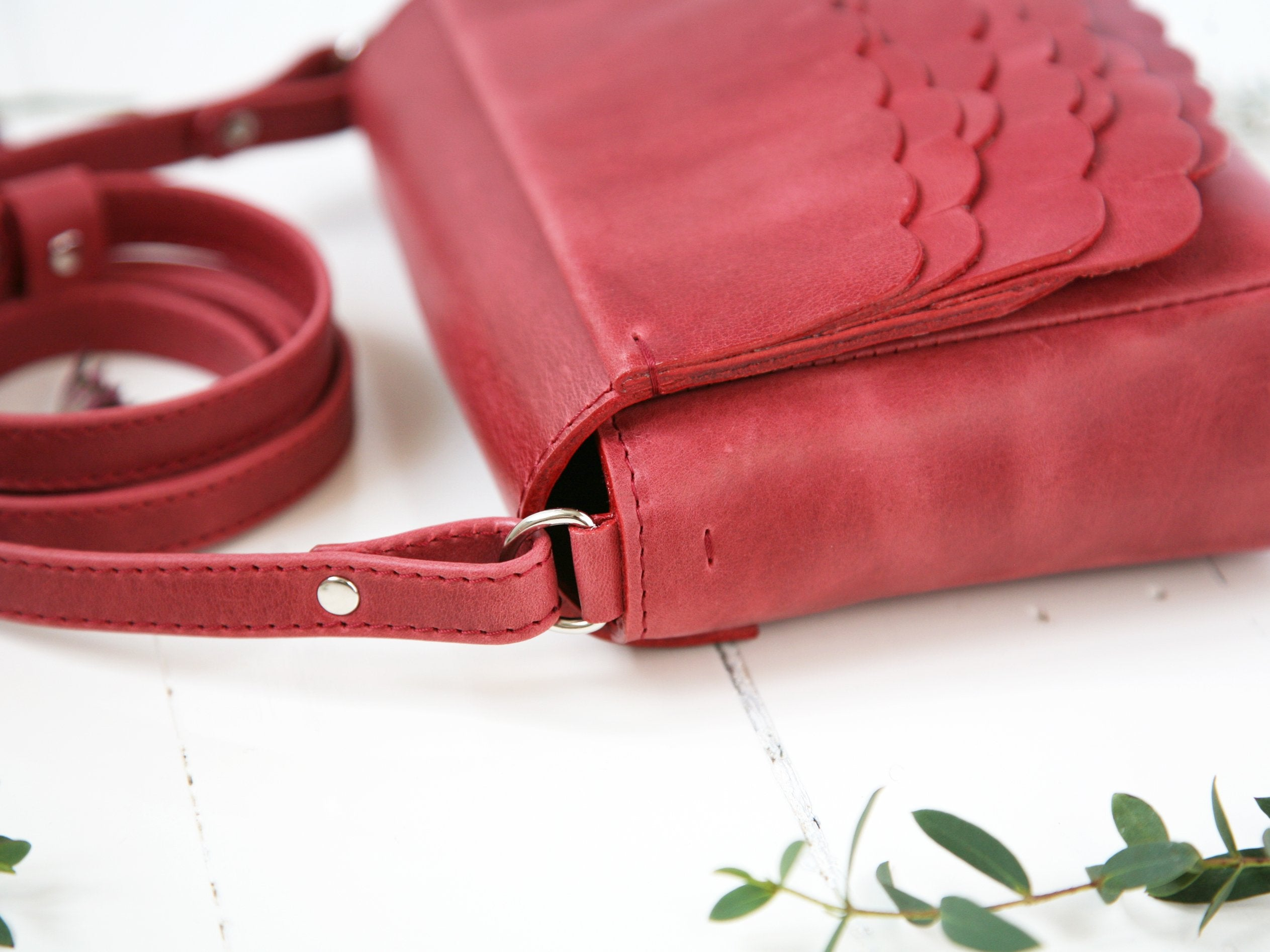 While Mini shoulder bag Berry