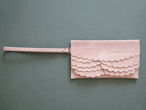 While Clutch Powder Pink