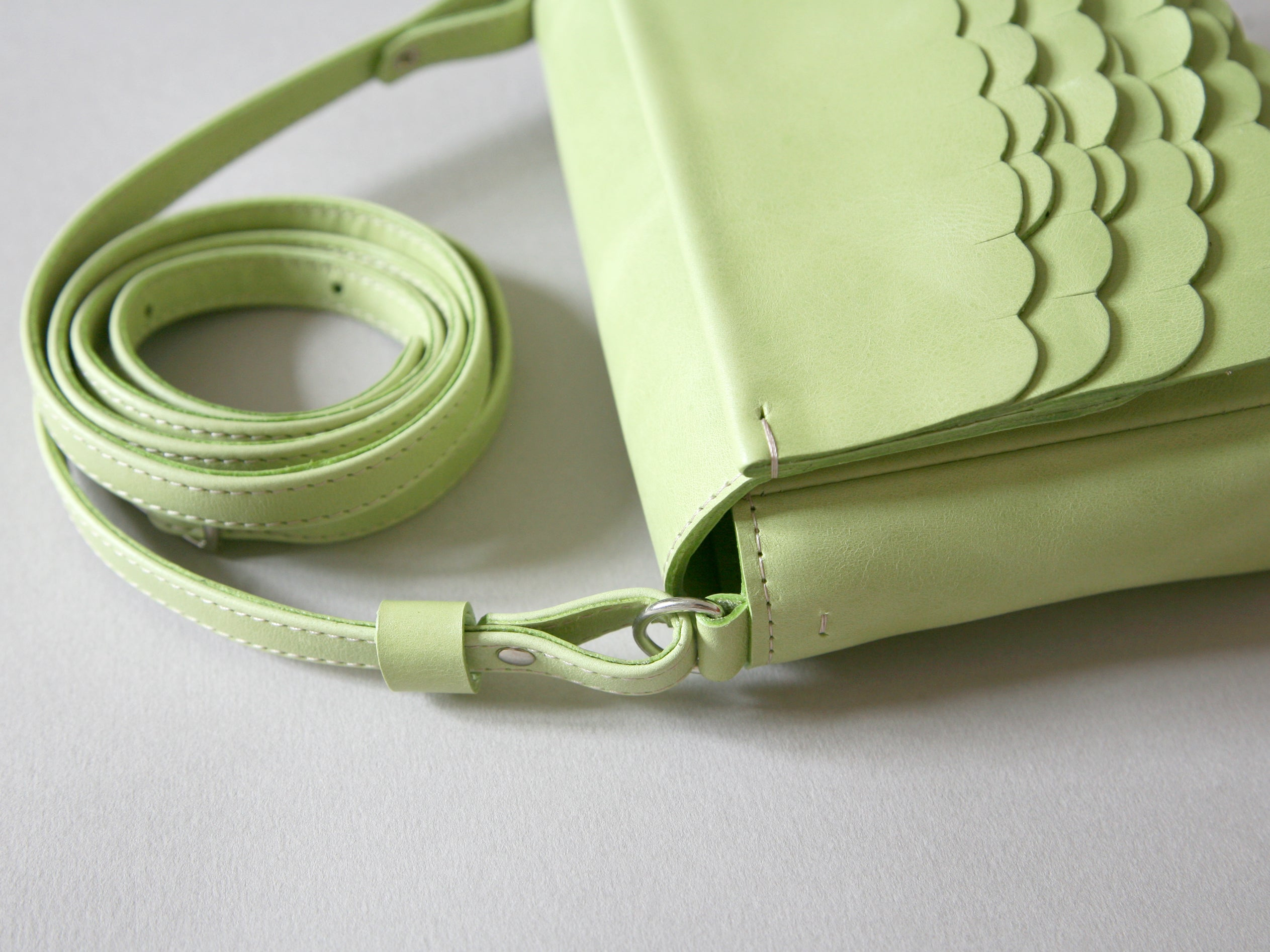 While Mini shoulder bag Pastel Green