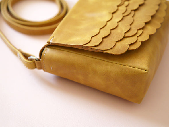 While Mini shoulder bag Mustard