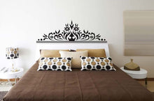 Load image into Gallery viewer, Bedside black corolla removable WallSticker