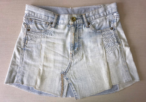Upcycling denim: shorts into skirt - Front