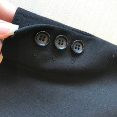 Sleeve - fake opening w/ buttons