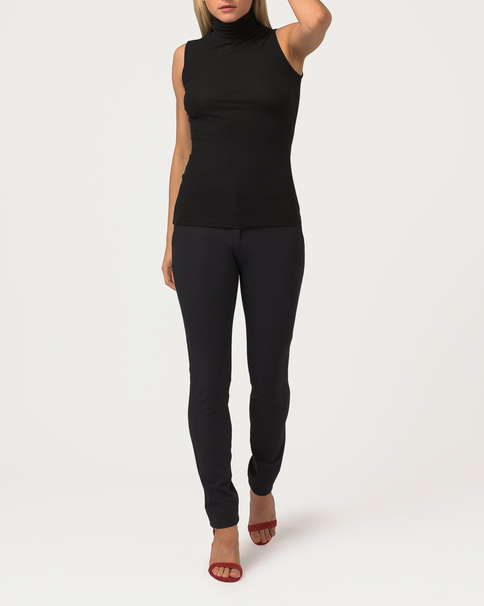 Sleeveless Eco Layer On Top Black