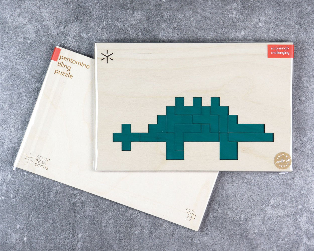 Stegosaurus pentomino puzzle in packaging