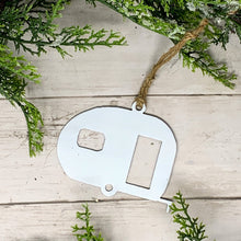 Load image into Gallery viewer, Camper Christmas Ornament | CHO1012 |  Metal Christmas Ornament