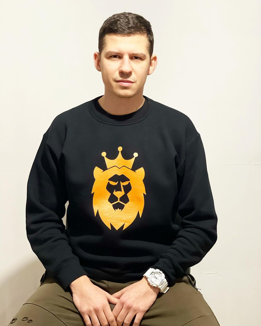 Golden Lavvek Sweatshirt