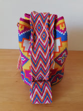 Load image into Gallery viewer, Authentic Handmade Mochilas Wayuu Bags- Aguamarina Riohacha Seis