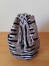 Load image into Gallery viewer, Authentic Handmade Mochilas Wayuu Bags - Matizada Bogota