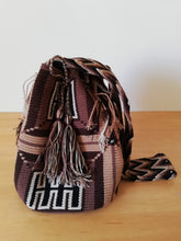 Load image into Gallery viewer, Authentic Handmade Mochilas Wayuu Bags - Bogota 3