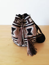 Load image into Gallery viewer, Authentic Handmade Mochilas Wayuu Bags - Small 1