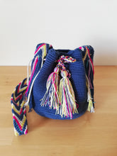 Load image into Gallery viewer, Authentic Handmade Mochilas Wayuu Bags - Small 10
