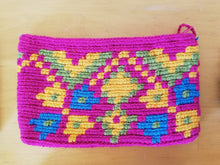 Load image into Gallery viewer, Unique & Authentic Purses Wayuu - Medium 21