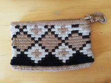 Load image into Gallery viewer, Unique & Authentic Purses Wayuu - Small 6