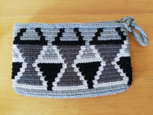 Load image into Gallery viewer, Unique & Authentic Purses Wayuu - Small 8