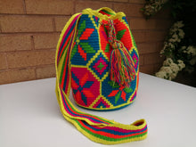 Load image into Gallery viewer, Authentic Handmade Mochilas Wayuu Bags - Medium Uno
