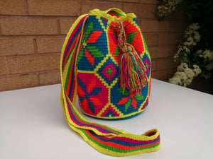 Authentic Handmade Mochilas Wayuu Bags - Medium Uno
