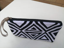 Load image into Gallery viewer, Authentic Purses Mochilas Wayuu - Tapizada Cuatro