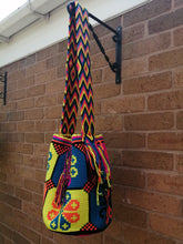 Load image into Gallery viewer, Authentic Bags Mochilas Wayuu - Carnaval Cinco