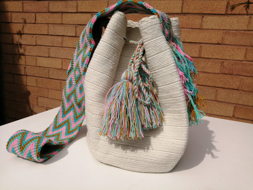 Authentic Handmade Mochilas Wayuu Bags - Unicolor Blanca