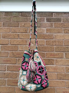 Authentic Handmade Mochilas Wayuu Bags - Montserrate 1