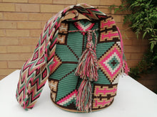 Load image into Gallery viewer, Authentic Handmade Mochilas Wayuu Bags - Montserrate