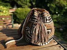 Load image into Gallery viewer, Authentic Bags Mochilas Wayuu - Café Dos
